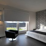 dormitorio con cortinas
